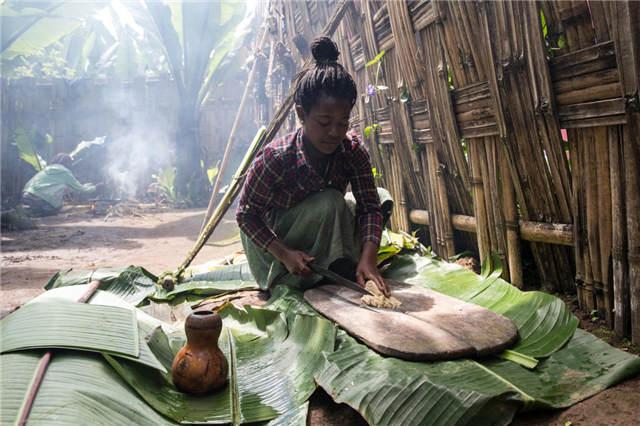 探秘房屋形如大象的非洲原始部族