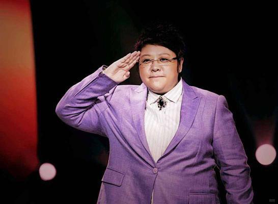 韩红帮林俊杰维权,怒骂山寨者年赚200万,头号迷妹上线