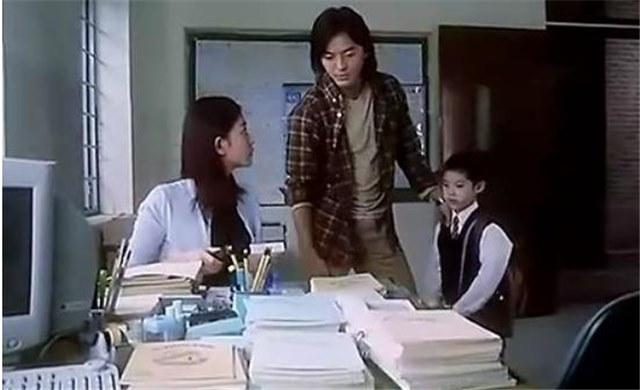 """江苏反对""""丧偶式""""育儿:拒绝辅导孩子或记入征信"""