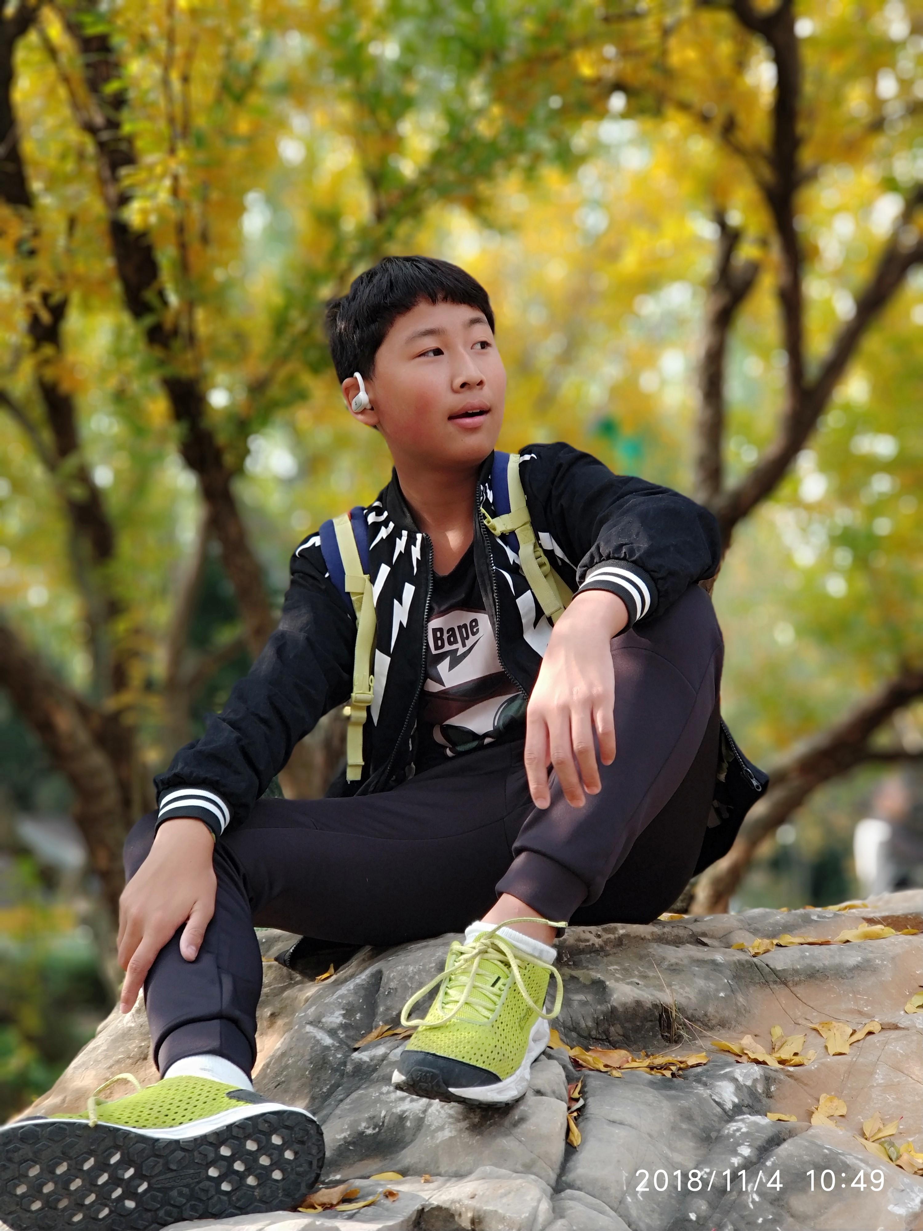 12岁小学生创作近十万字小说 启元学校学生曹涵杰钟爱写作