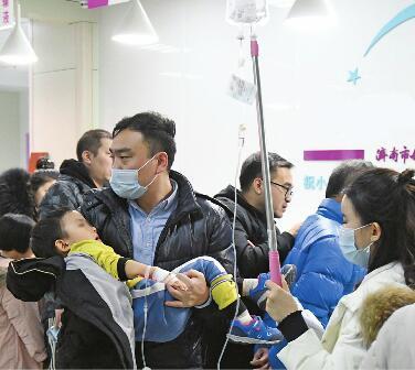 这波流感来势汹汹 济南有医院连增两个儿科门诊