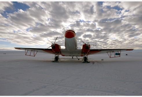 中国首架极地固定翼飞机将再次飞抵昆仑站机场
