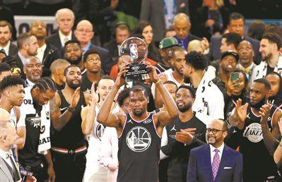 NBA全明星上演经典聚星开户戏码詹韦连线重演追念既苦又甜