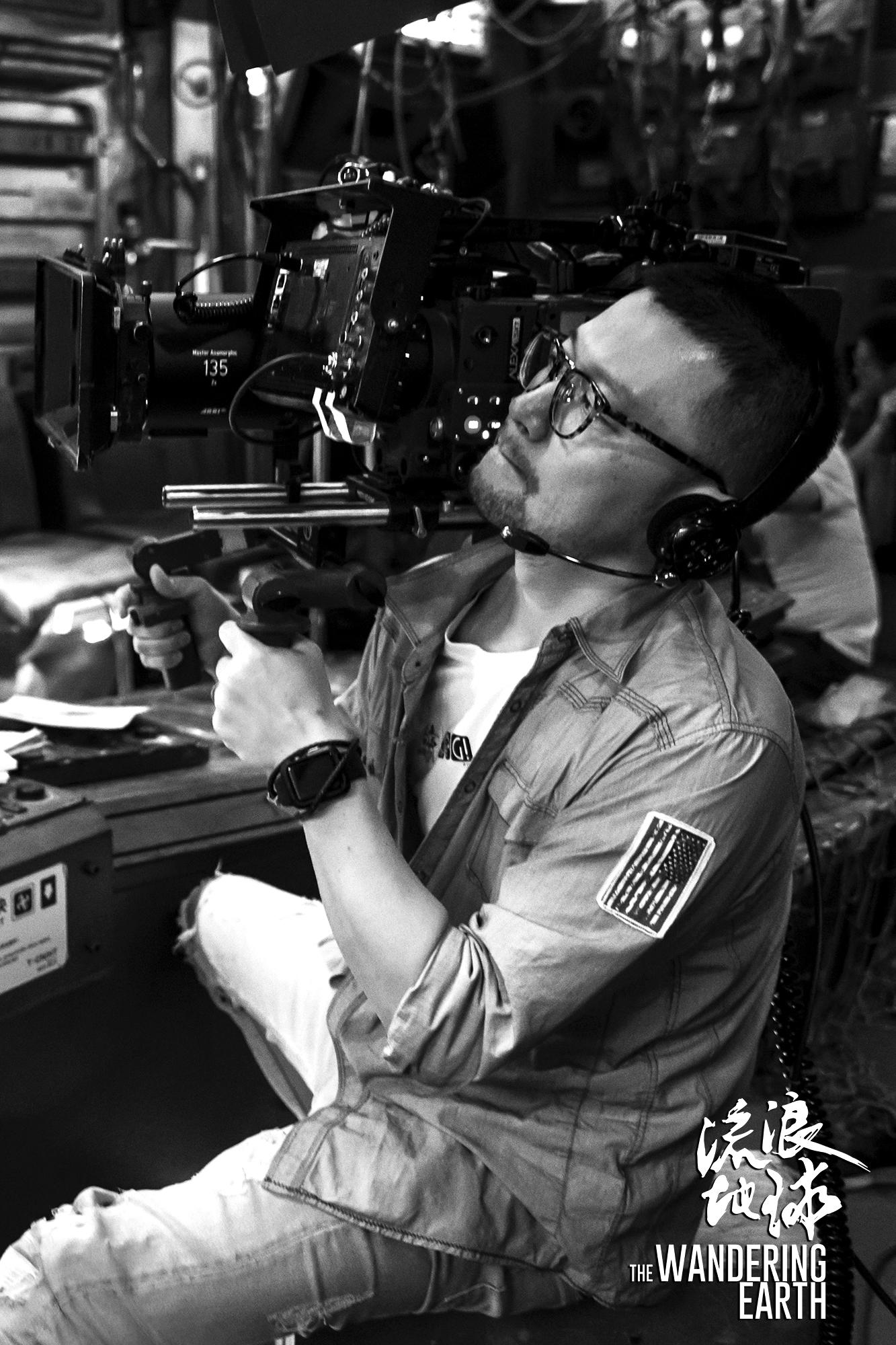 《流浪地球》缘何被誉为抗衡好莱坞的工业电影,东方影都功不可没