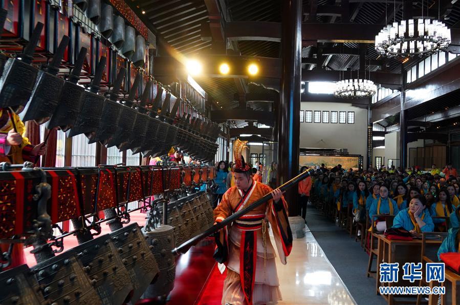#(社会)(1)上合青年即墨古城体验中华传统文化