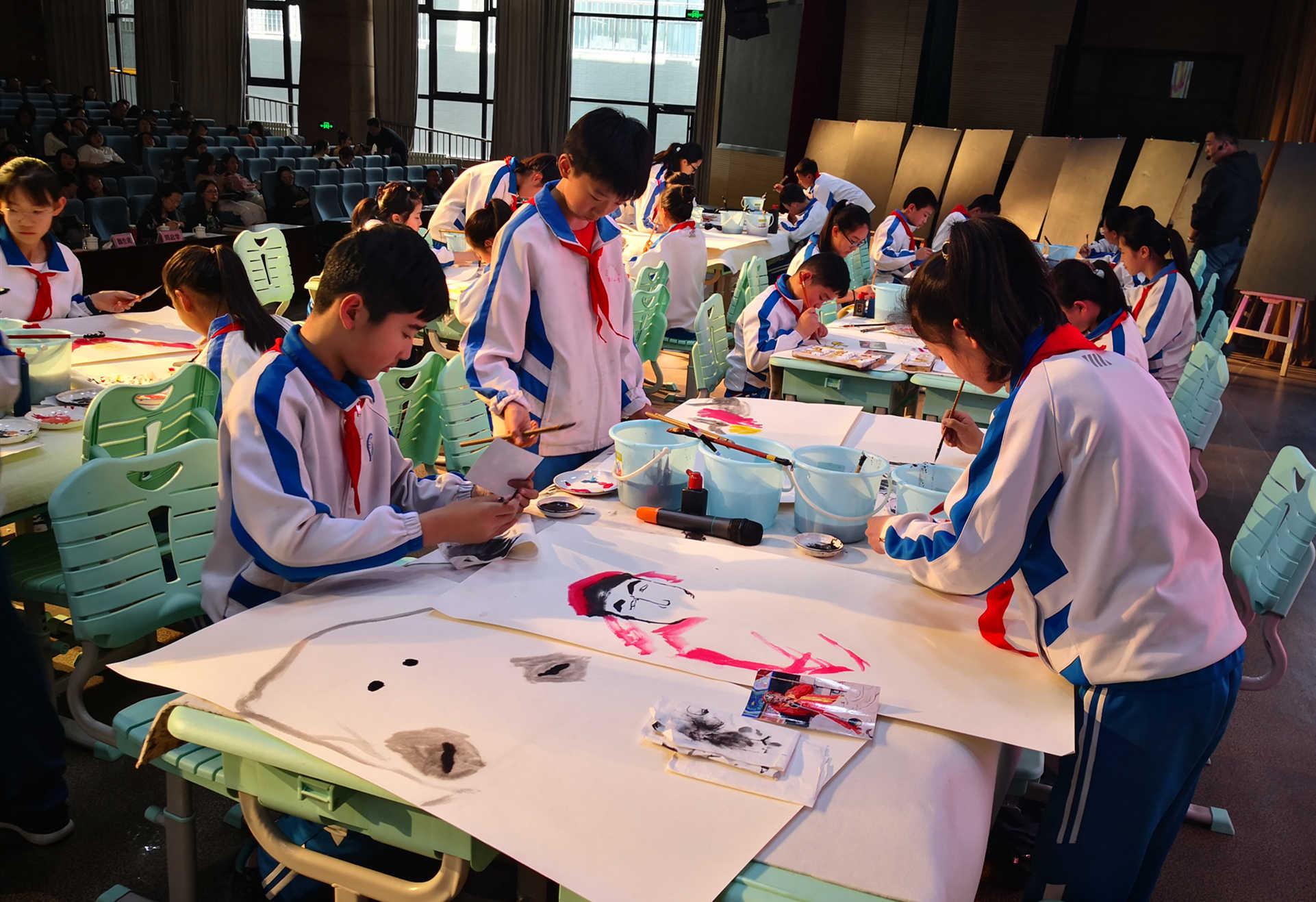 青岛美术学科教学年会在六中召开 集中展示美育成果