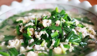 润春盛农家宴:海蜇脑子炒鸡蛋