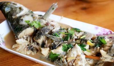 润春盛农家宴:野生鲈鱼