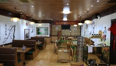 新方式锅台鱼:让您体验东北农家的用餐氛围