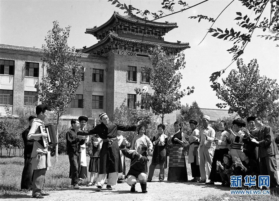 (壮丽70年·奋斗新时代——新中国峥嵘岁月)(3)中华民族大家庭