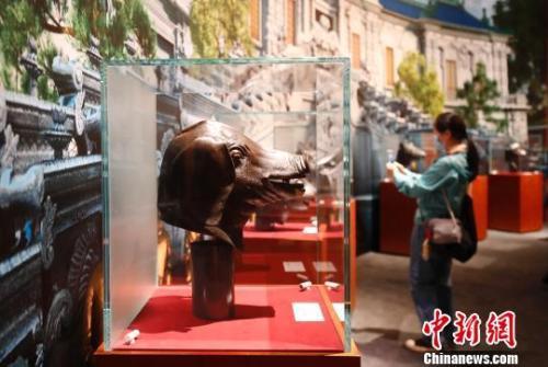圆明园兽首铜像如何重聚?这些流失文物回归祖国的背后 是值得铭记的故事