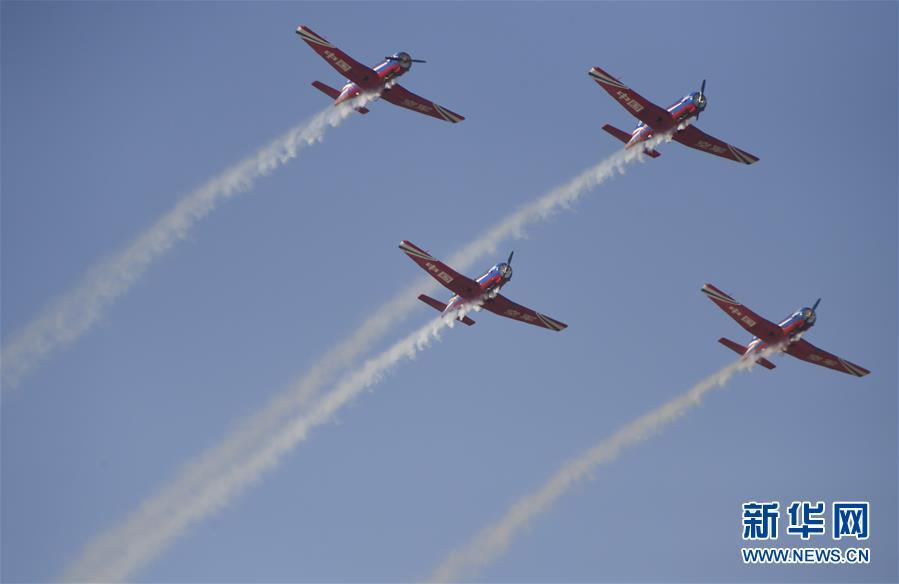 (军事)(1)空军以全盛阵容展翅长春庆祝成立70周年
