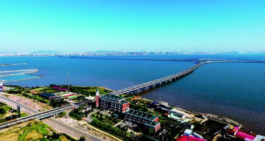 胶州湾大桥调整通行费正式确定 11月1日起青岛至黄岛一类客车降至每