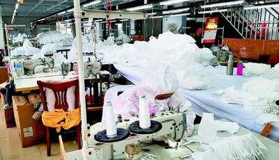 手续三天办齐 口罩日产5000!青岛这家服装高级定制企业火速转产 将全部供应复产复工企业