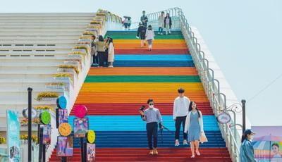 """打卡青岛崂山区""""冰山之角""""彩虹阶梯你走过吗?"""