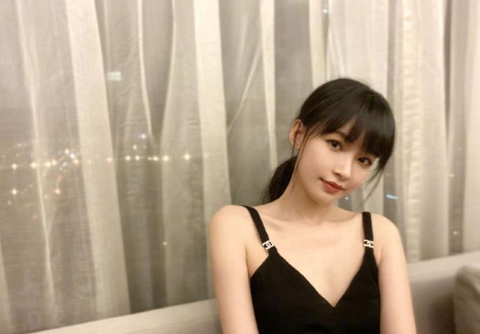 []董子健零点为孙怡庆生:祝她的老公越来越帅