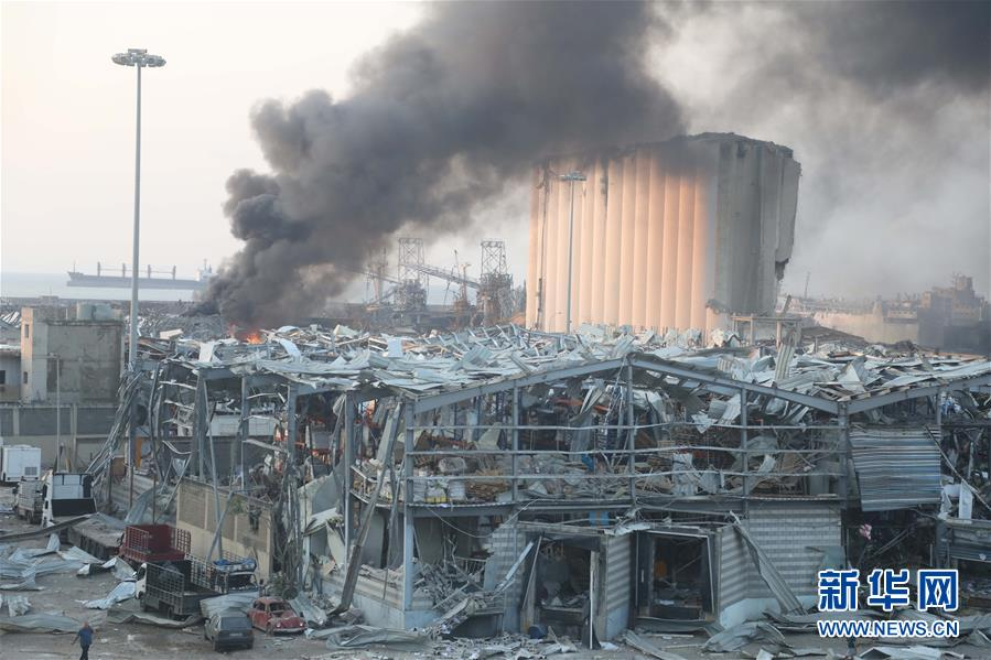 (国际)(1)黎巴嫩首都港口区发生爆炸 至少10人死亡