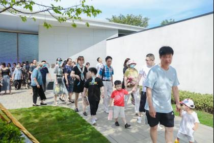 美好生活,如期而至+绿地·凤栖澜玥景观示范区惊艳绽放203.png