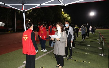 众志成城坚决打赢 阳光城阳文明实践志愿者战斗在...