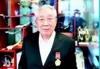 海军少将杨汉黄曾作为空军飞行员参与抗美援朝