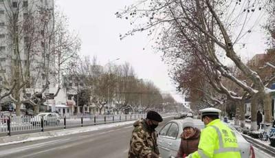 最低-15℃!萊西交警提醒:雪天路滑 駕車出行寧慢勿搶