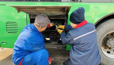低温寒潮天气来袭,青岛公交严阵以待守护市民出行