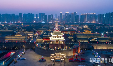 即墨古城夜色醉人 感受最为传统的中国年