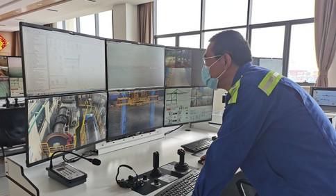 新春走基层丨青岛港全自动化码头工程技术部桥吊主管王培山:跟码头一起成长 最大的收获是创新思维