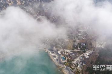 降雪过后 雾绕崂山