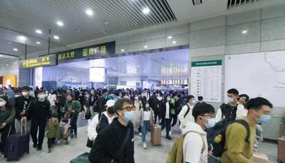 105.29万!假期首日青岛地铁不出意外再创新高 排第一的站点果然是五四广场站