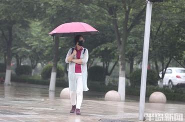 青岛:雨绵绵 雾蒙蒙