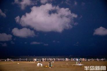 石老人海水浴场:享受沙滩上的夜时光