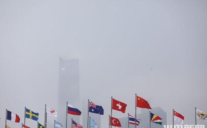 青岛沿海雾茫茫