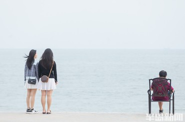 青岛:小众海滩 别样风情