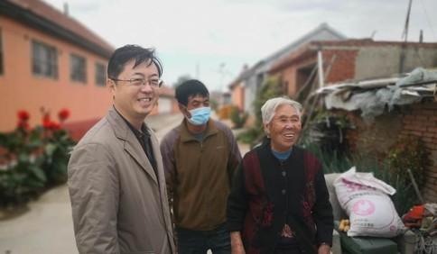 """中国红·齐鲁行丨""""公选村支书""""的心路和他小村庄的幸福路"""