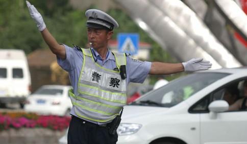 【视频】青岛交警李涌事迹详情披露:高速上为救执法对象壮烈牺牲