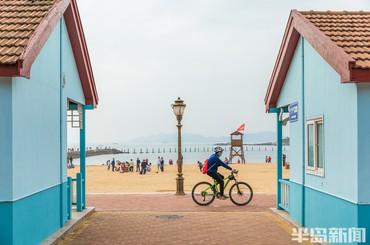 喧闹海滨 惬意游人